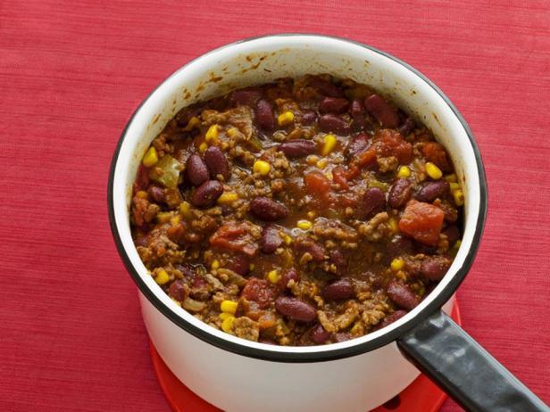 Чили кон карне с фасолью и кукурузой