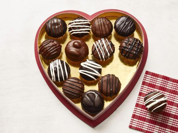 Фото Коробка шоколадных конфет (мини-капкейки)