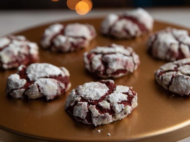 Печенье с трещинами «Красный бархат»