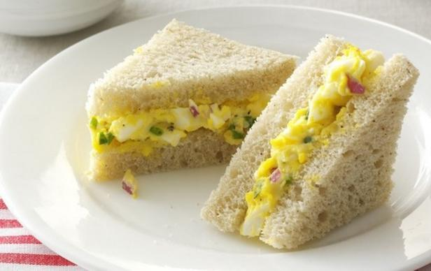 Мини-сэндвичи с яичным салатом