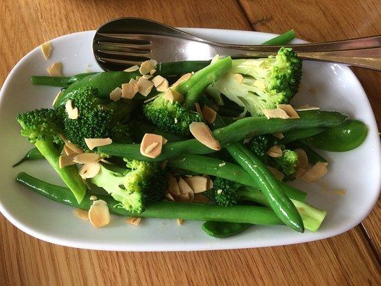 Фото Брокколи с зелёной фасолью
