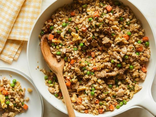 Фото Жареный рис из цветной капусты с курицей