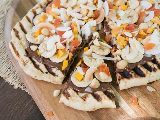 Фото Десертная пицца на гриле