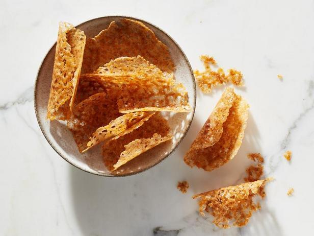 Фото Сырные тако-чипсы с чеддером (кето-диета)