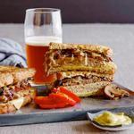 Сэндвич «Патти Мелт» с индейкой
