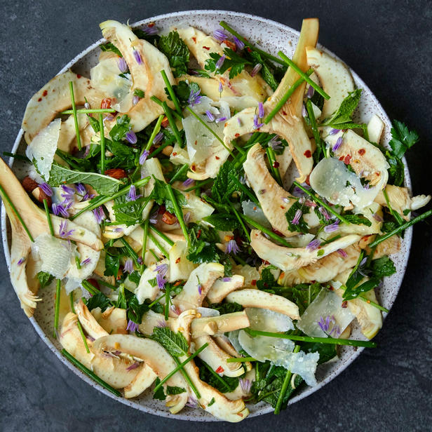 Фото Свежий салат из артишоков и фенхеля