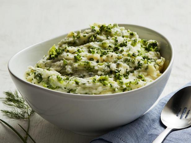 Картофельное пюре с зеленью и брокколи