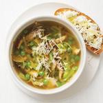 Суп из весенних овощей и тосты с рикоттой