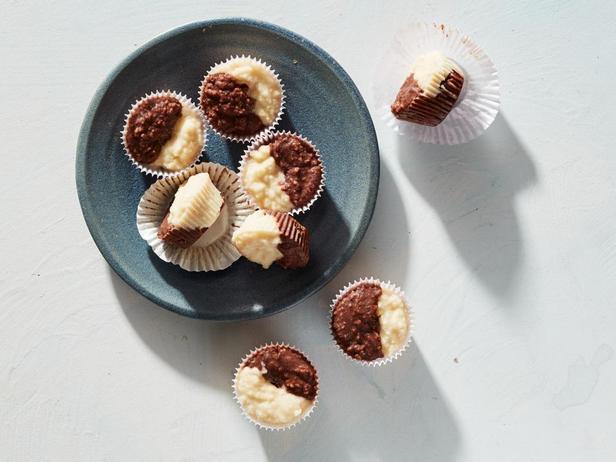 Чёрно-белые конфеты для кето-диеты