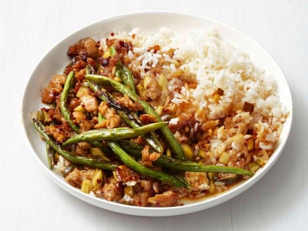 Острый стир-фрай из индейки и зелёной фасоли