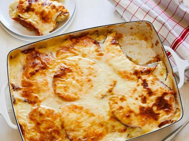 Фото Картофельная запеканка с сыром и ветчиной