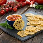 Домашние чипсы из сыра