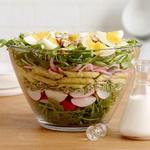 Весенний слоёный салат со спаржей в кисломолочной заправке