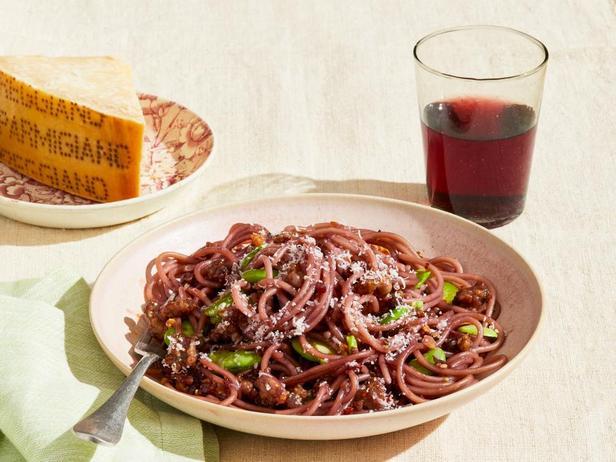 Паста спагетти с бобами Фава