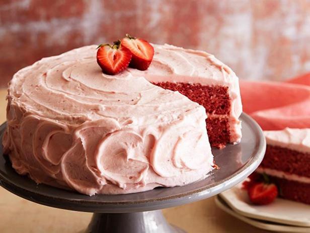 Простой и вкусный клубничный торт