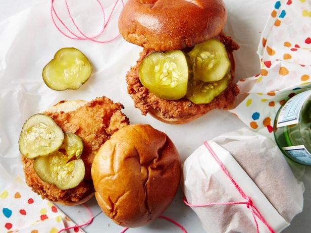 Фото Сэндвичи с жареной курицей