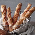Цельнозерновые хлебные твисты с шоколадом и вишней