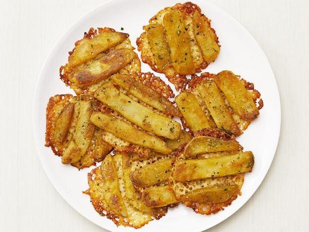 Фото Чипсы из сыра с картошкой фри