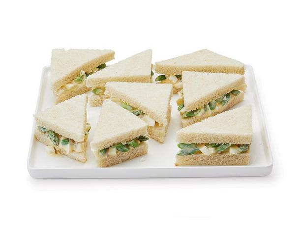 Сэндвичи с яичным салатом и спаржей