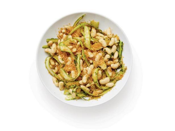 Салат из белой фасоли и спаржи