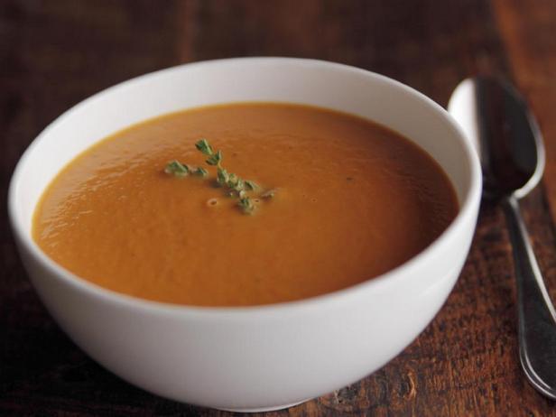 Морковный крем-суп с тимьяном и сливками