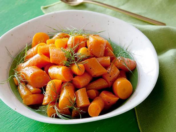 Морковь, глазированная в апельсиновом соке
