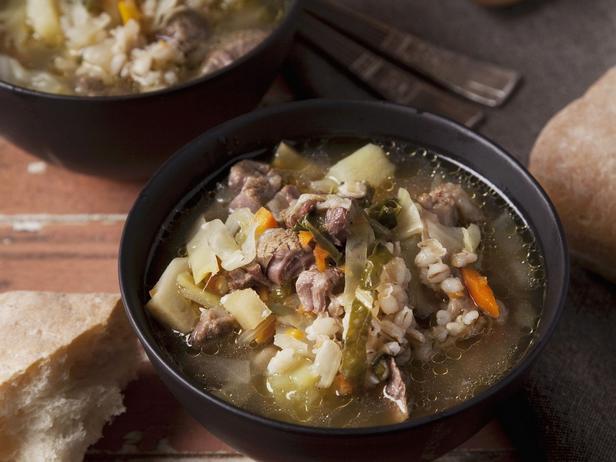 Фото Наваристый говяжий суп с перловкой
