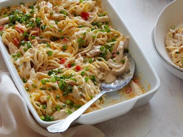 Фото Запеканка с индейкой и пастой спагетти
