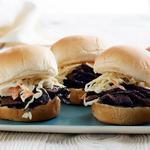 Веганские слайдер-сэндвичи с рваной свининой