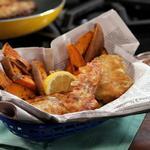 Жареная рыба в пивном кляре и картофель фри в духовке
