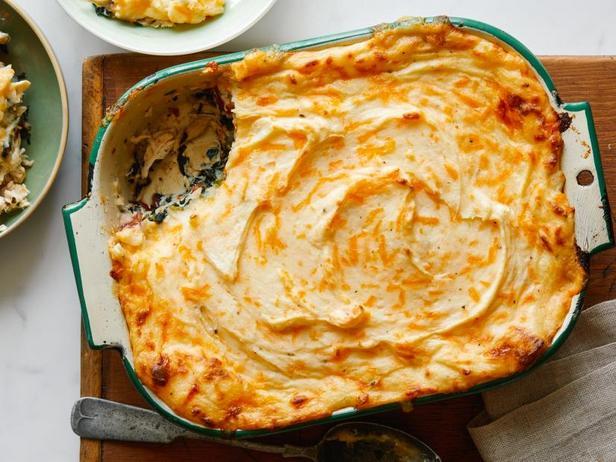 Фото Пастуший пирог с курицей и шпинатом