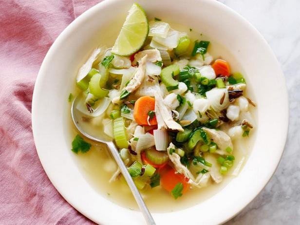 Куриный суп с диким рисом и кукурузой хомини