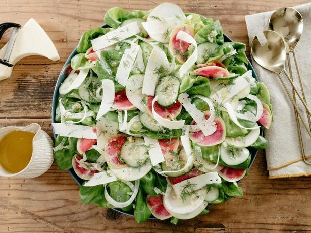 Весенний салат с яблоками и фенхелем в винегретной заправке