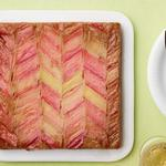 Пирог-перевёртыш с ревенем на сметане