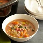 Суп с фасолью и перловкой в медленноварке