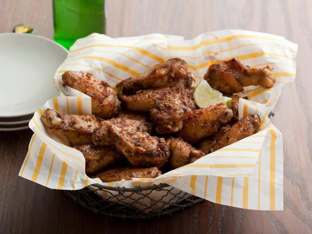 Куриные крылышки, маринованные и запеченные в соусе хабанеро