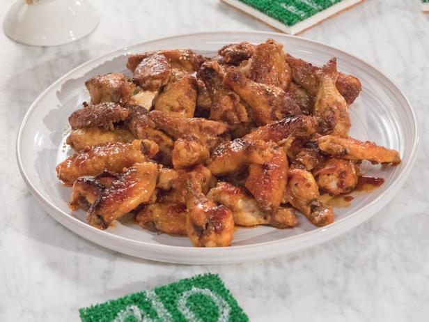 Куриные крылья в имбирно-соевом маринаде
