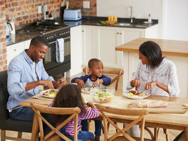 Обедайте вместе как семья