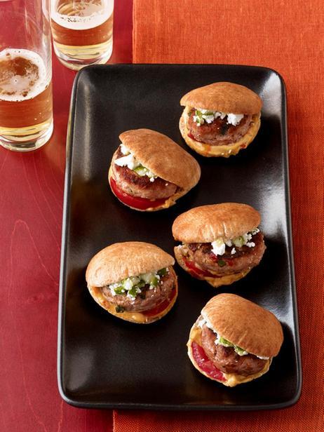 Слайдер-сэндвичи с индейкой и хумусом