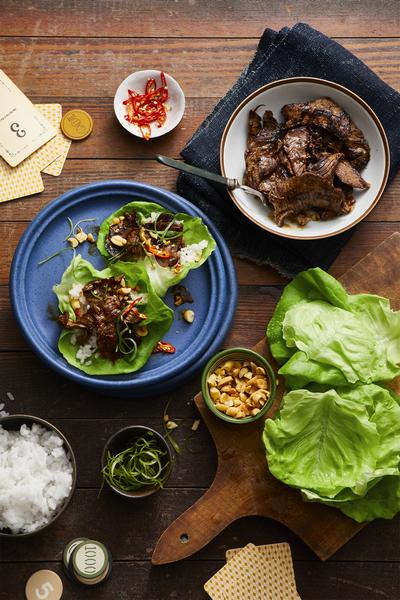Фото Низкоуглеводные бургеры в салатных листьях