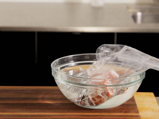 Как разморозить мясо: пошаговая инструкция