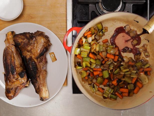 Как тушить мясо: пошаговая инструкция