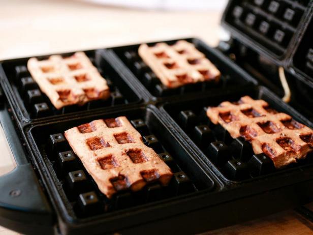 Что можно жарить в вафельнице?