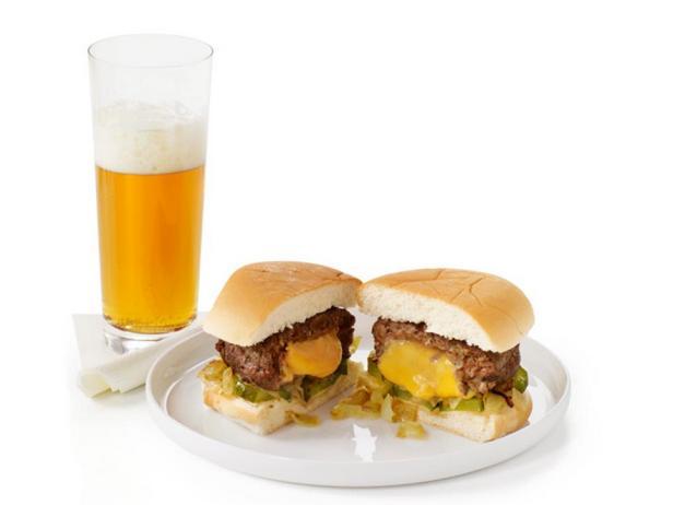 """Чизбургеры с плавленым сыром """"Джуйси Люси"""" (Juicy Lucy)"""