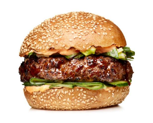 Гамбургеры с огурцами и соусом хойсин