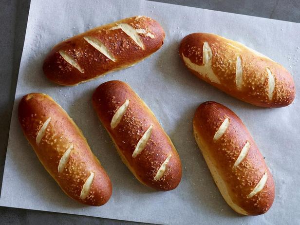 Булочки «Брецель» для хот-догов