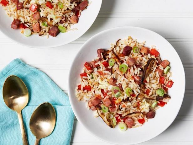 Фото Жареный рис с овощами и ветчиной