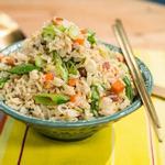 Жареный рис с беконом и яичницей