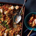 Жареный рис с креветками в духовке