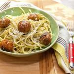Спагетти с рыбными фрикадельками